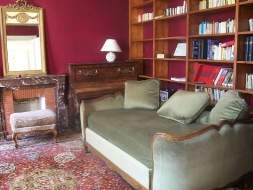 Bibliothèque dans la maison de vacances