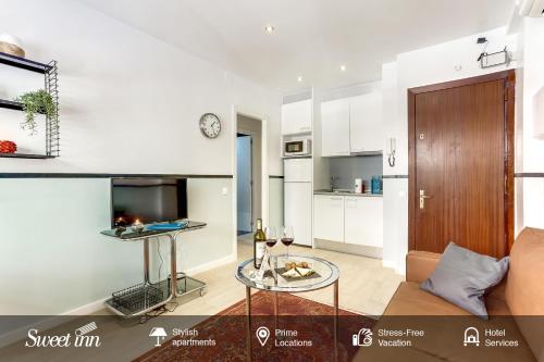 A kitchen or kitchenette at Sweet Inn - FcBarcelona-Galileu
