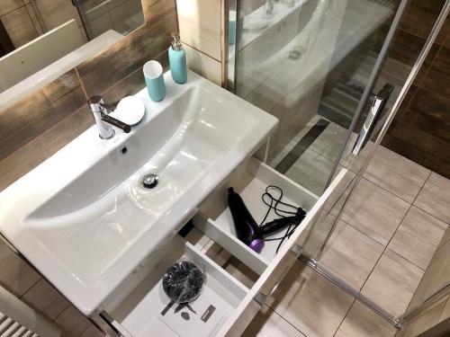 Kamar mandi di Luxury apartment Prague
