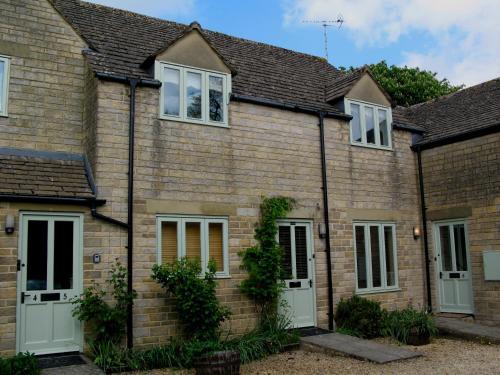 Amazing Tillows Cottage Cirencester Uk Booking Com Interior Design Ideas Gentotryabchikinfo