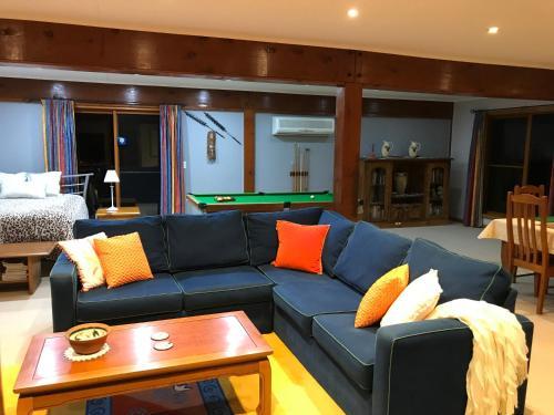 A seating area at Wisteria Lodge