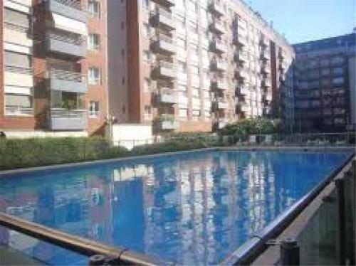 The swimming pool at or near Puerto madero Departamento entero 2 dormitorios. Hermoso