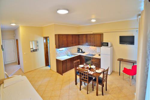 A kitchen or kitchenette at Beach House