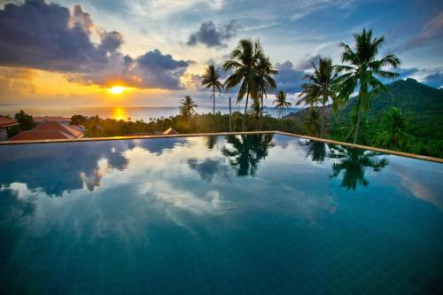 The swimming pool at or near Siam Sunrise Seaview