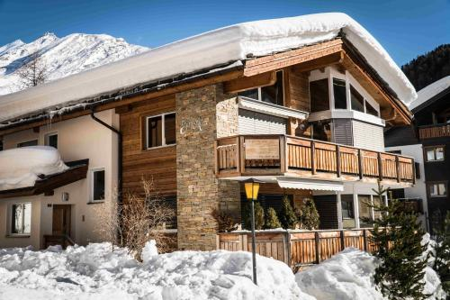Chalet Sunshine during the winter