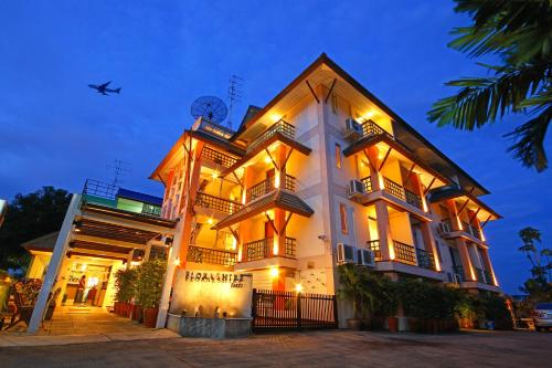 photo of 素萬那普機場花郡酒店(Floral Shire Suvarnabhumi Airport)   泰國萊卡邦(Lat Krabang, Thailand)