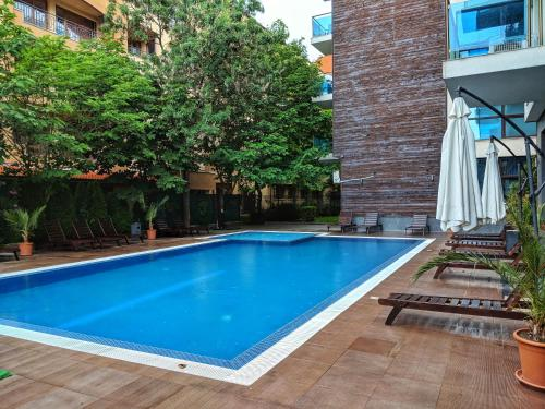 The swimming pool at or near StrangerЪ Apartment