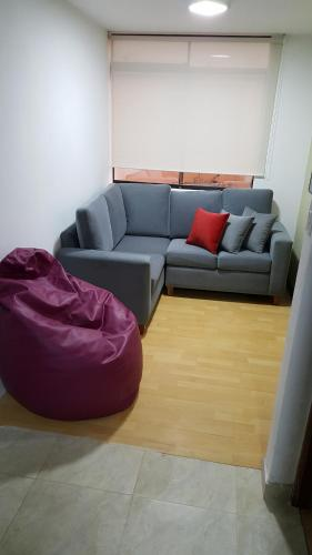 A seating area at Forbesapart