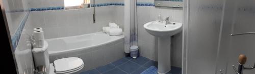 A bathroom at Casa da Guida