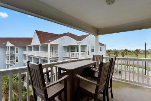 A balcony or terrace at Seascape 2301