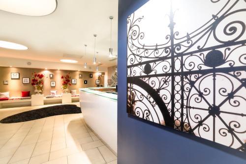 The lobby or reception area at Hapimag Resort Paris