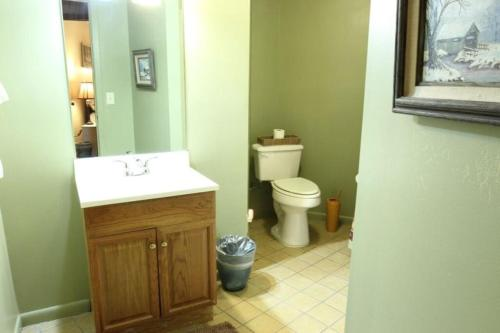 A bathroom at MLC_Rowe`s_Round_House