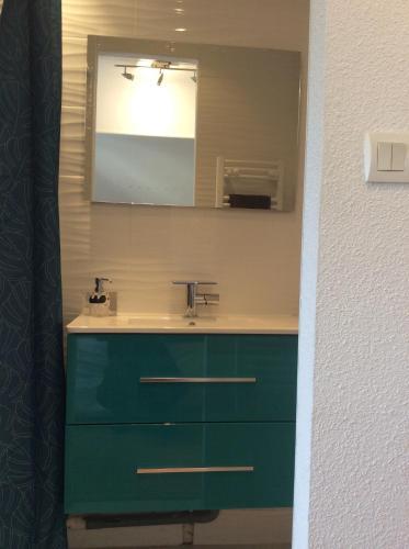A bathroom at L'appart de Clea