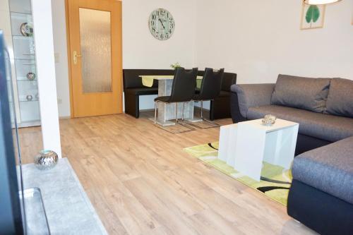 Ein Sitzbereich in der Unterkunft Manitius 9, DD-Friedrichstadt (Zentrumsnah)