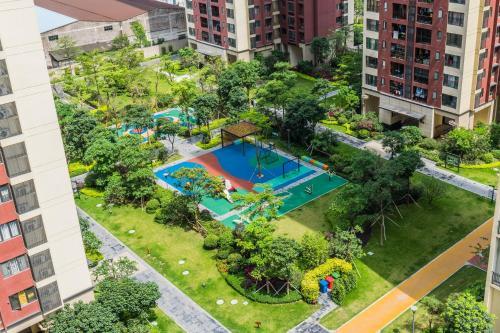 Вид на бассейн в 千灯湖/金融高新区loft 公寓 или окрестностях