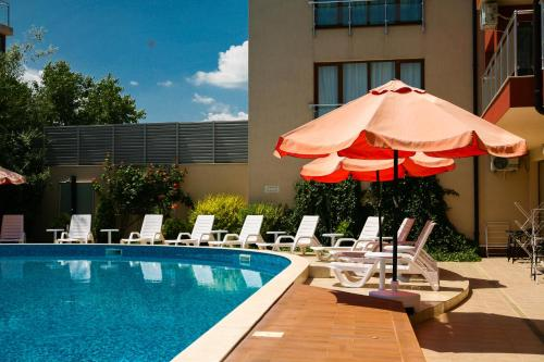 The swimming pool at or near Apart-Hotel Onegin & SPA