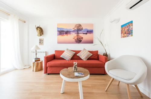 A seating area at Apartamento Arteaga