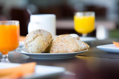 Options de petit-déjeuner proposées aux clients de l'établissement All Suites Bordeaux Lac - Parc des Expositions