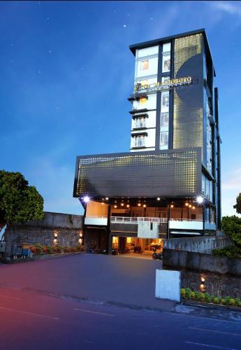 top malioboro hotel jogja yogyakarta indonesia booking com rh booking com