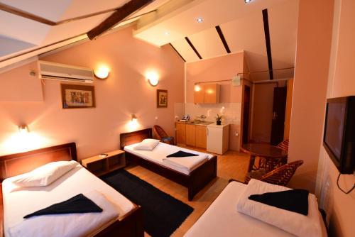 Apartments & Accommodation Stojic