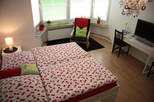 Ein Bett oder Betten in einem Zimmer der Unterkunft Apartment Bett am Rhein