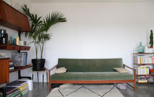 A seating area at Welkeys - Buzenval Apartment