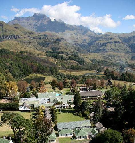 Drakensberg Accommodation Hotels: Champagne Castle Hotel, Bergview, South Africa