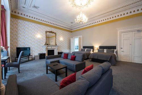A seating area at Grosvenor Suites