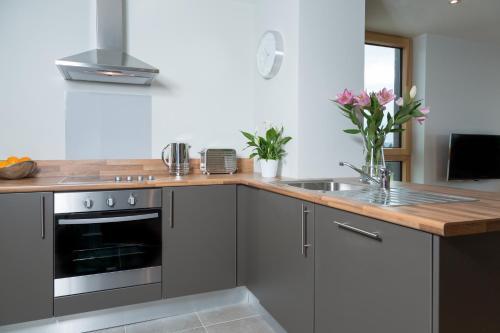 Kuchyň nebo kuchyňský kout v ubytování Your Base Dublin - Sandyford