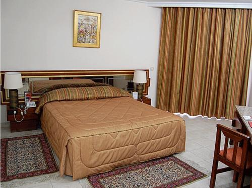 Diplomat Hotel