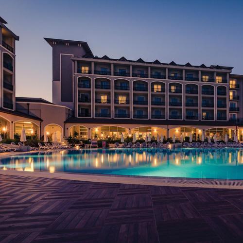7ed07e04e21 Bassein majutusasutuses Paloma Oceana Resort - Luxury Hotel või selle  lähedal