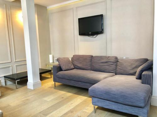 A seating area at Luxury Apartments in Westminster