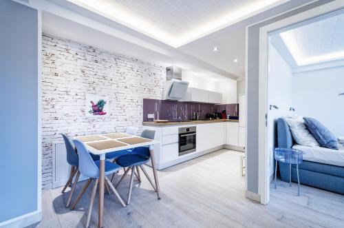 Küche/Küchenzeile in der Unterkunft FeWo Prora - Für Immer Liebe
