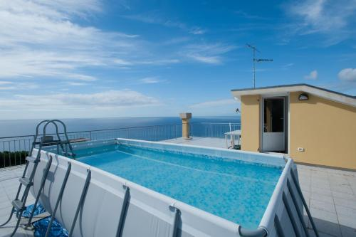 The swimming pool at or close to Residence Cielo e Mare