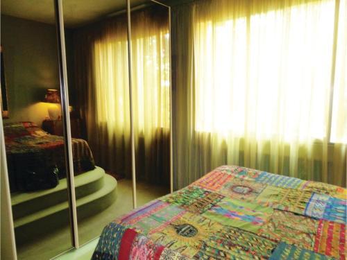 Un ou plusieurs lits dans un hébergement de l'établissement Three-Bedroom Holiday Home in Beziers
