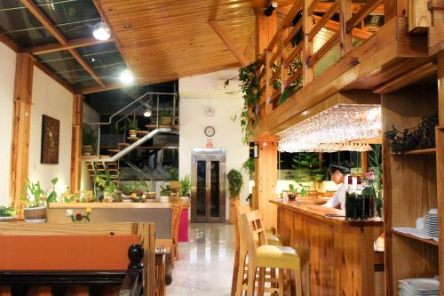 A restaurant or other place to eat at Waman Suites Machu Picchu