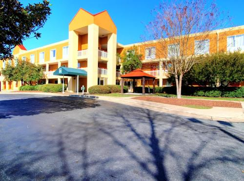 Quality Inn & Suites Medical Park