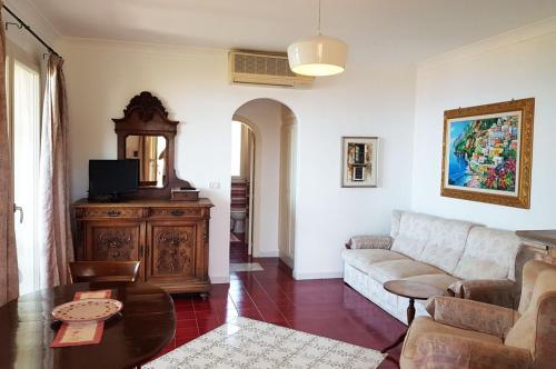 A seating area at Villa Santa Sofia