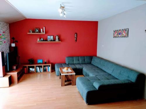 A seating area at Apartman Della