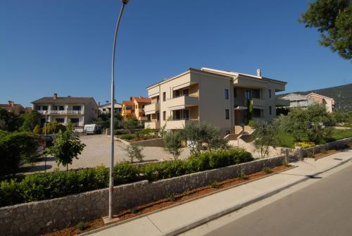 Apartments Crepsa