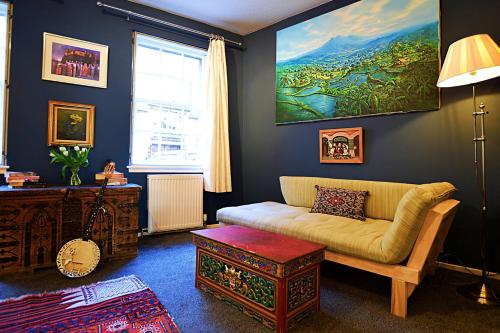 Bohemian Writers Retreat In Heart Of The Old Town