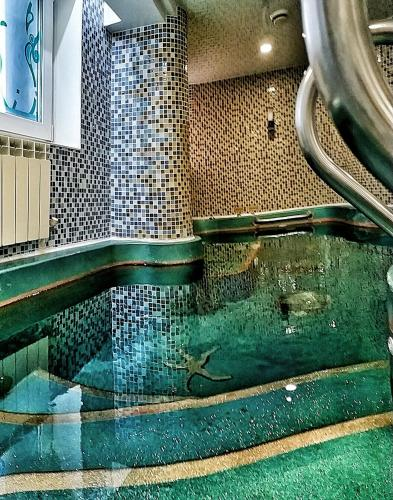Бассейн в Отель Мальта или поблизости