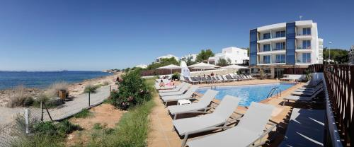 A view of the pool at Sol Bahía Ibiza Suites or nearby
