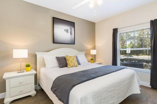 Un ou plusieurs lits dans un hébergement de l'établissement Lucaya Village 2960 B