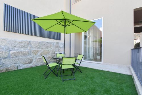 A garden outside Empriporto - Guest House