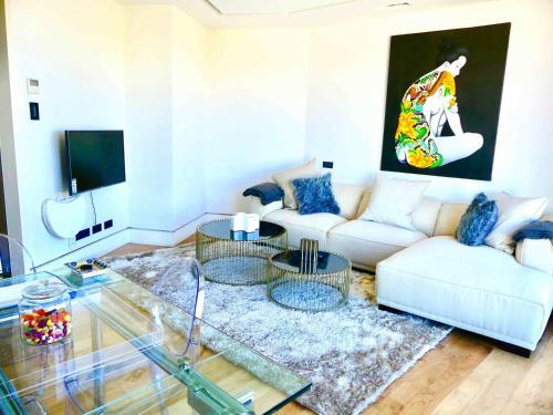 A seating area at Apartamento Lujo Velazquez 160