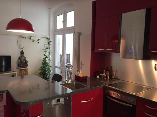 A kitchen or kitchenette at Appartement am Tegeler See