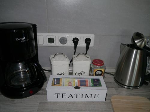 Kaffee-/Teezubehör in der Unterkunft Ferienwohnung im Neubauernweg