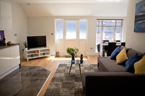 Wolverton Suite - Basingstoke Central Apartment