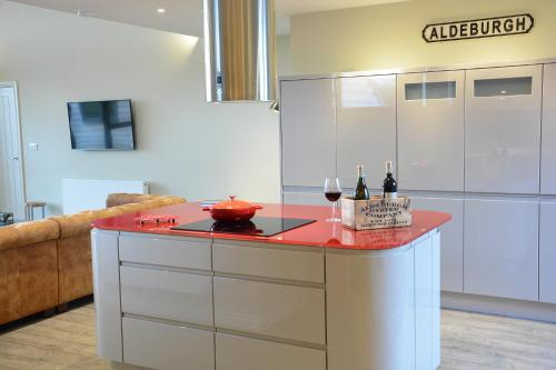 A kitchen or kitchenette at King George Penthouse